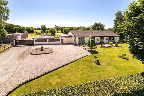3 bedroom detached bungalow for sale - Ivy Farm Cottage, Hall Lane, Lydiate, L31 4HR
