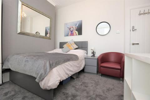 1 bedroom in a flat share to rent - Whitehall Road, Bensham