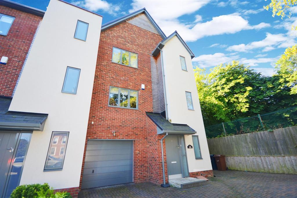 5 Bedrooms Town House for sale in Brookfield Gardens, Ashbrooke, Sunderland