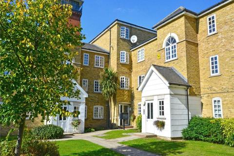 2 bedroom flat for sale - Edith Cavell Way, London,