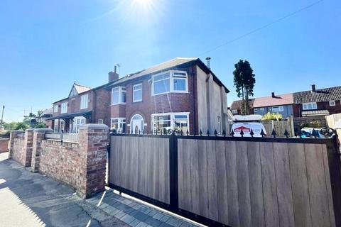 5 bedroom detached house for sale - Rake Lane, Swinton, Manchester