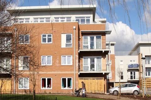 2 bedroom apartment to rent - Hitchcock Court, Korda Close, Borehamwood