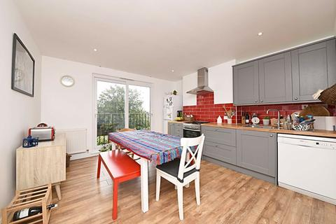 2 bedroom flat to rent - Nether Street, Finchley Central, London, N3