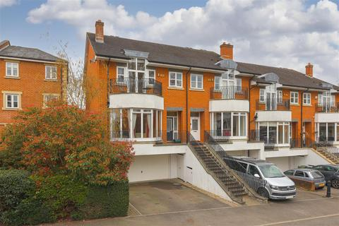 4 bedroom house for sale - Cambridge Square, Redhill