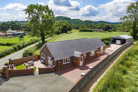 4 bedroom detached bungalow for sale - Llanymynech