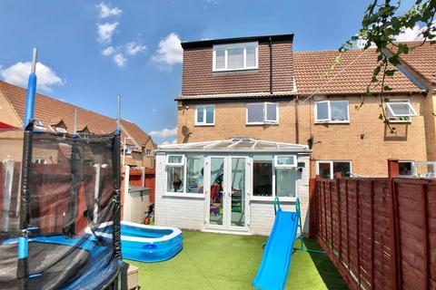 4 bedroom end of terrace house for sale - Apperley Drive, Quedgeley, Gloucester