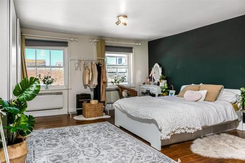 2 bedroom flat for sale - Queen Street, Salisbury