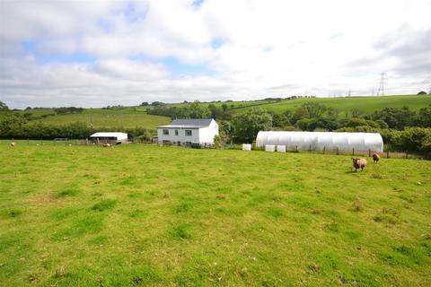 4 bedroom property with land for sale - Tavernspite, Whitland