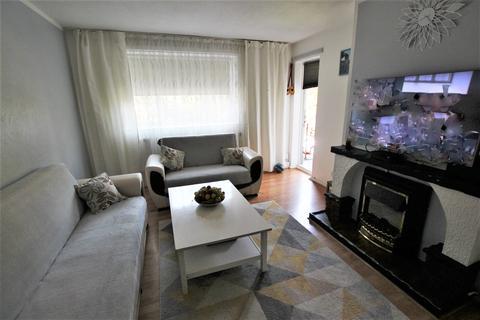 2 bedroom flat to rent - Reed Road, London, N17
