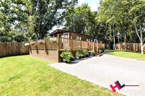 2 bedroom bungalow for sale - Colchester Country Park, Cymbeline Way, Colchester, Essex, CO3