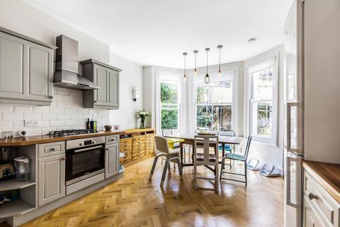 3 bedroom flat for sale - Wyneham Road, Herne Hill