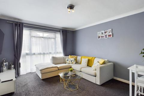 1 bedroom apartment for sale - Kennedy Court, Poplar Road, Ashford, Middlesex, TW15