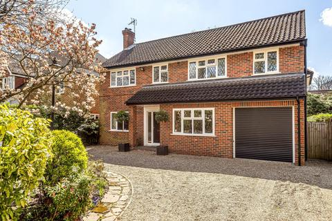5 bedroom detached house for sale - Dukes Wood Drive, Gerrards Cross, Buckinghamshire, SL9