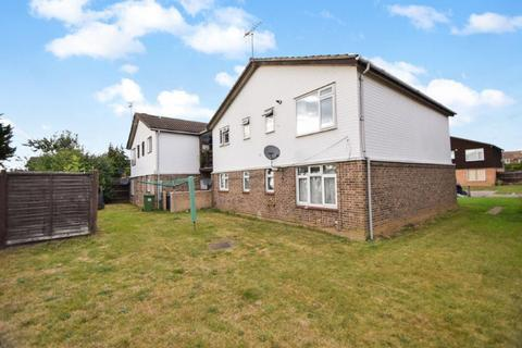 1 bedroom apartment for sale - Holmedale, Slough, Berkshire, SL2