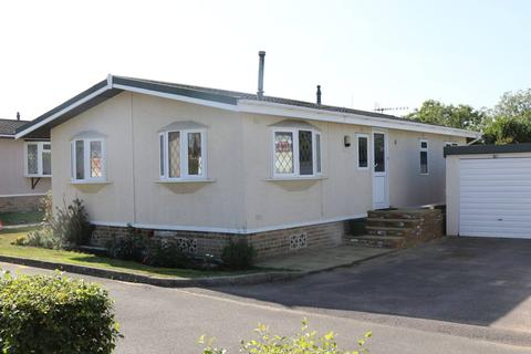 2 bedroom park home for sale - Newdigate Surrey