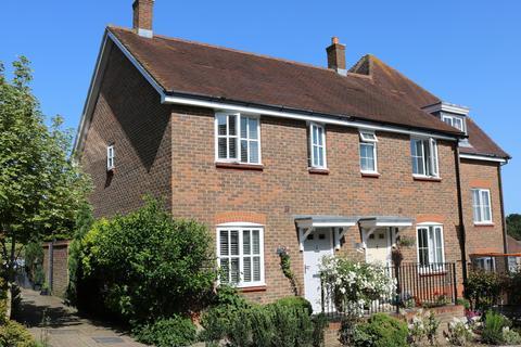 3 bedroom house for sale - Middle Village, Bolnore Village, Haywards Heath, RH16