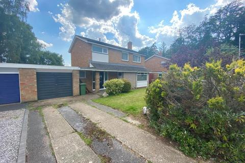 3 bedroom detached house to rent - Ashdown Close,  Bracknell,  RG12