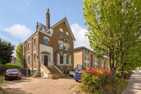 3 bedroom flat for sale - Green Lanes, Hackney