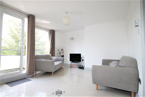 3 bedroom apartment to rent - Strathdon Drive, London, SW17
