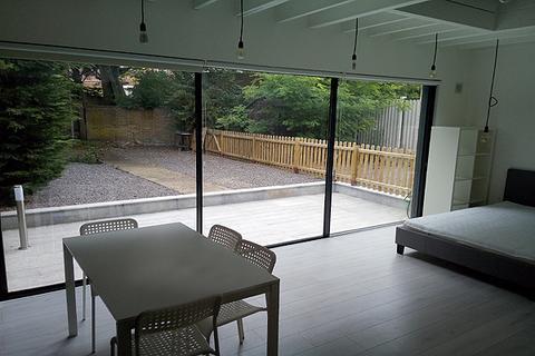 Studio to rent - FLAMSTEED ROAD, CHARLTON, LONDON SE7