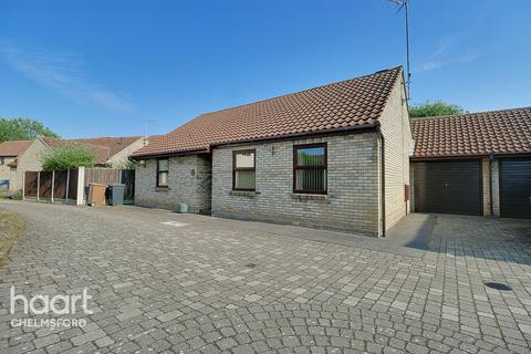 3 bedroom bungalow for sale - Roxwell Avenue, Chelmsford