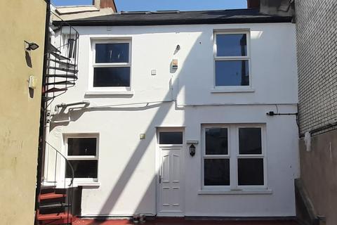 5 bedroom flat to rent - North Street, Brighton