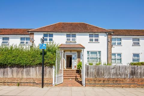 3 bedroom flat for sale - Churchdown Bromley BR1