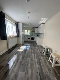 4 bedroom terraced house to rent - London, E16