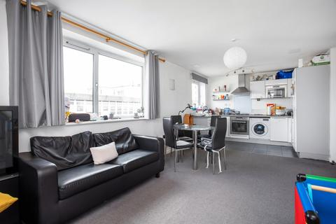 2 bedroom flat for sale - Axon Place, Ilford, IG1