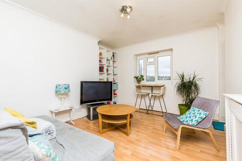 1 bedroom flat for sale - Wesley Close, Kennington SE17