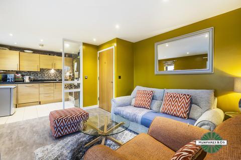 2 bedroom flat to rent - Seddon Court, 67 Brooklands Road, RM7 7EB