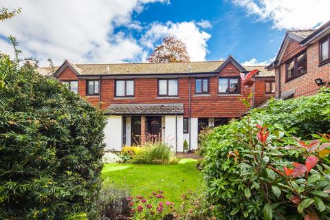 2 bedroom retirement property for sale - 40 Waltham Court, Goring on Thames, rg8