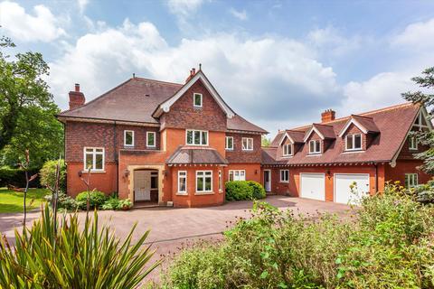 5 bedroom detached house for sale - Springwood Park, Tonbridge, Kent, TN11