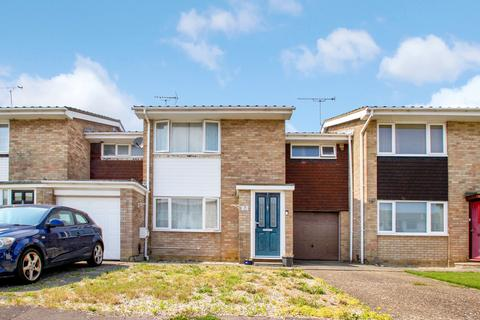 3 bedroom terraced house for sale - Osea Way, Chelmsford