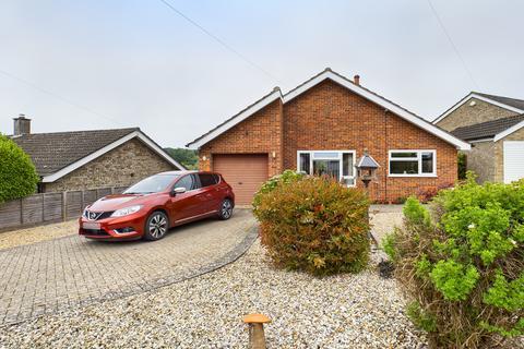 3 bedroom detached bungalow for sale - Renwick Park West, West Runton, Cromer