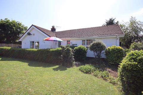 2 bedroom detached bungalow for sale - Maenan Road, Llandudno
