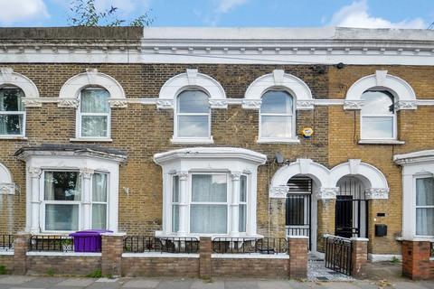 4 bedroom terraced house to rent - Abbott Road, Poplar E14