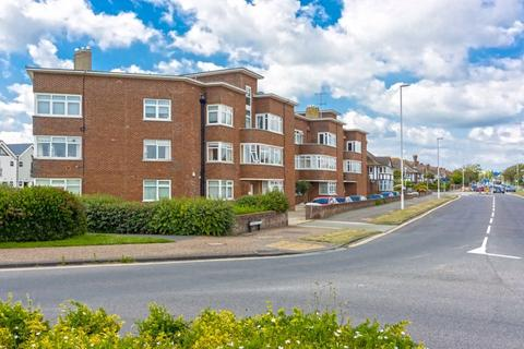3 bedroom apartment for sale - George V Avenue, Worthing