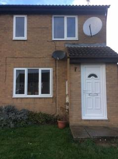 3 bedroom house to rent - Pine Walk - Corby