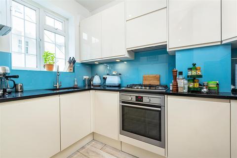 3 bedroom flat for sale - Carmichael Court, Grove Road, London