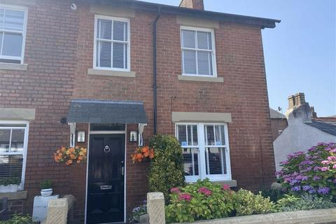 2 bedroom end of terrace house for sale - South Clifton Street, Lytham
