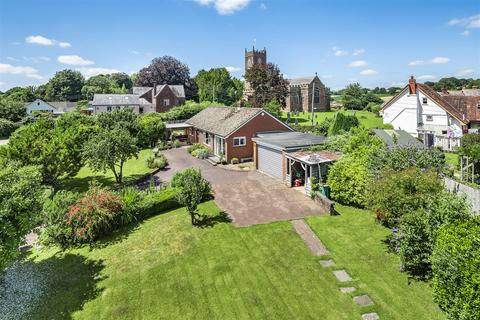 3 bedroom bungalow for sale - Church Path, Halberton, Tiverton