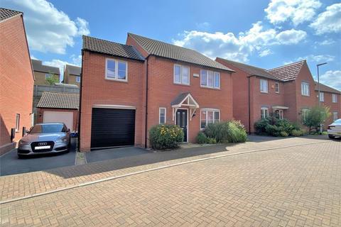 4 bedroom detached house for sale - Bamburgh Close, Grantham
