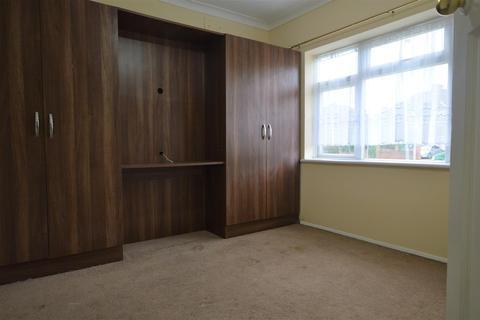 2 bedroom maisonette to rent - Broadoak Court Slough Berkshire
