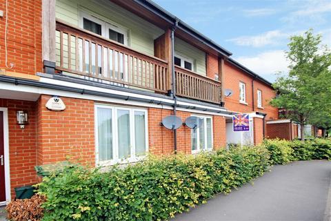 2 bedroom flat for sale - Henderson Avenue, Guildford