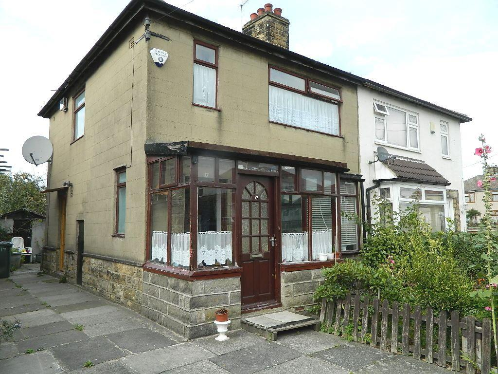 3 Bedrooms Semi Detached House for sale in Warley Drive, Bradford Moor, Bradford, BD3 8HP