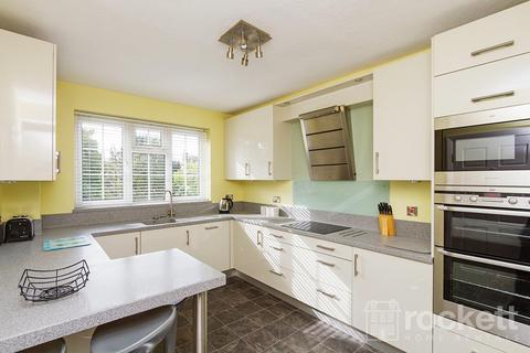 2 bedroom apartment to rent - Sutherland Court, Longton Road, Stoke On Trent
