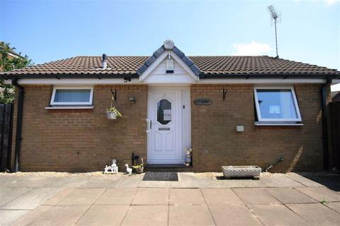 1 bedroom detached bungalow for sale - Tinningham Close, Openshaw