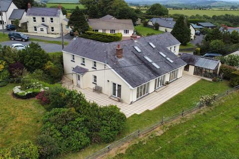 6 bedroom detached house for sale - Long Entry, Llansadurnen,, Carmarthen