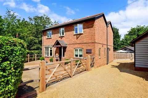 3 bedroom detached house for sale - Pulborough Road, Cootham, West Sussex